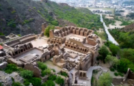 Buddha's historical archaeology in Takht Bhai