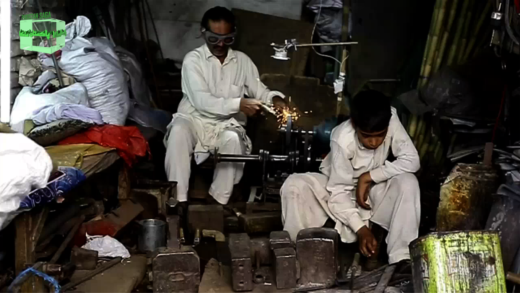 دستی زرعی آلات ۔ایک مرتی ہوئی صنعت